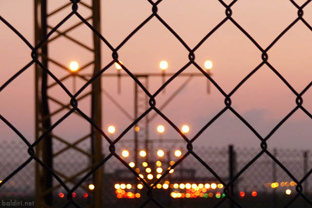 baldiri : airport sunset : baldiri09030401
