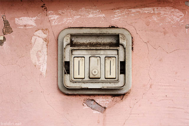 baldiri : dirty old button : baldiri09040801