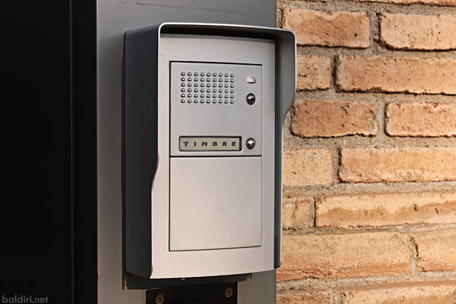 baldiri : doorbell : baldiri100406