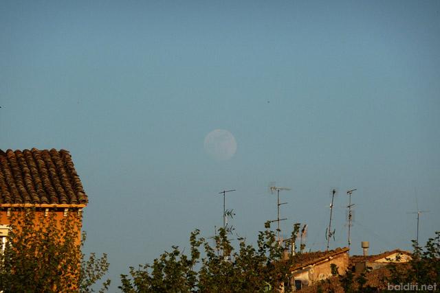 baldiri : la lluna surt aviat